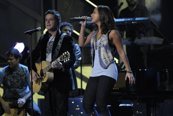 with Alejandro Sanz and Alicia Keys in the Latin Grammy's 2010
